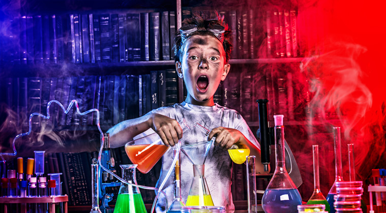 Miniklerin Kimya İle İmtihanı ! Kimya Hiç Bu Kadar Eğlenceli Olmamıştı